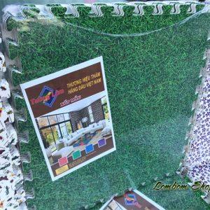 Xốp trải sàn cỏ xanh Tường Lâm 60×60